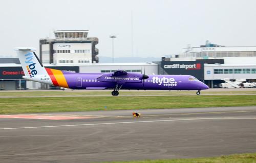 G-JECF landing.