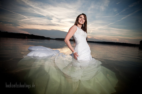 "Trash-the -dress-9 • <a style=""font-size:0.8em;"" href=""http://www.flickr.com/photos/34734209@N03/5749874978/"" target=""_blank"">View on Flickr</a>"