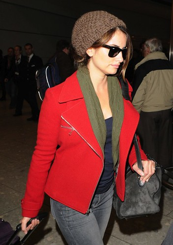 Penelope Cruz fashion sunglasses ray ban 2140