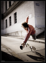 RE-POST: Skater in action (Slaff) Tags: people sports argentina d50 ads advertising fun buenosaires nikon action extreme skaters streetphoto novideo ciudaddebuenosaires 50faves 50100favs 20faves 25favs mywinners superhearts excellentphotographerawards theperfectphotographer photonawards beijing2008award