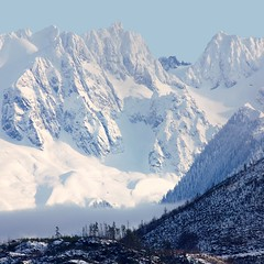(Minette Layne) Tags: blue mist snow mountains washington glaciers masterpiece heavenonearth cascademountains northcascadesnationalpark eldoradopeak northcascademountains dynwss2009