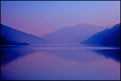 degradando (mbeo) Tags: sunset lake lago schweiz switzerland ticino suisse blu postcard explore svizzera posti avision mbeo proudshopper ceresiocartolina