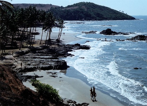 Nude beach in Goa, India. (by PhotoFusion)