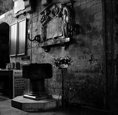 Waltham Abbey, Rough Rider's Memorial 1999. (Ned of the Hill) Tags: blackandwhite bw 120 film monochrome mediumformat square blackwhite memorial squareformat scanned font essex canoscan boerwar walthamabbey scannednegative ilfordfp4 boerwarmemorial nettar churchinterior 8400f canoscan8400f churchcandle nedofthehill roughridersmemorial
