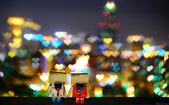 愛夜景 (Eson Huang) Tags: 阿楞 阿愣 紙箱人 dando 四葉妹妹 danboard 植物 花圃