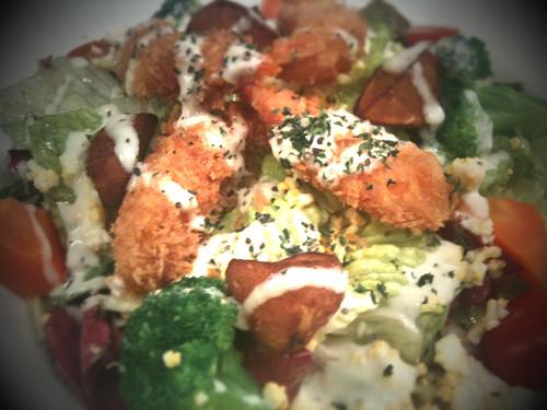 生涯初、サラダランチを食べてみた。何か体が野菜を欲しているような気がして。