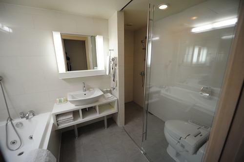 bathroom blue pearl hotel
