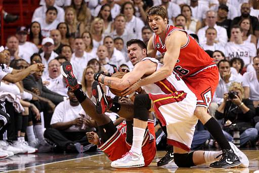 20110522-kyle-korver-ronnie-brwer-mike-miller