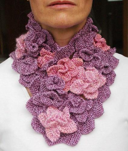 Shiny flowerscarf