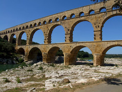 Pont du Gard Aqueduct, France (Uncle Buddha) Tags: world trip travel vacation france heritage tourism architecture river site frankreich europe roman ruin unesco aqueduct franz provence pontdugard francia aquaduct provenza remoulins gardon aplusphoto flickrestrellas