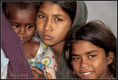 Suffer the little children (kalsang35) Tags: poverty india girl child himachal dharamsala mcleodganj beggars indiatree 50millionmissing nginationalgeographicbyitalianpeople
