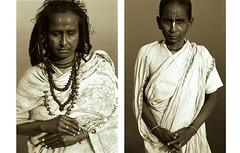 hindus at the ganga (ccfranken) Tags: portrait people woman india religious women faith religion menschen varanasi hindu hinduism pilger indien pilgrimage hindi pilgrim ganga ganges pilgrims benares glaube glauben hinduismus religis hindus plger