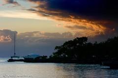 """Las nubes  cubriendo el atardecer"" (Gigi's gallery) Tags: sky clouds landscape paisaje cielo nubes questfortherest bayahibe weatherphotography"