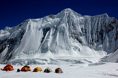 Chochordin Peak 7003m (Gasherbrum VI) (sylweczka) Tags: pakistan camp snow mountains ice expedition tent karakoram gmt naturesfinest fpg gasherbrum mywinners abigfave sylweczka colourartaward goldstaraward chochordin chochordinpeak gasherbrumvi