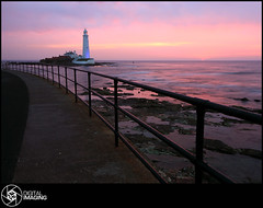 Pink Dawn (f22 Digital Imaging) Tags: ocean uk sea england sky lighthouse seascape beach sunrise canon newcastle landscape coast europe tide sigma northumberland northeast tynemouth canoneos stmarys whitleybay holywell tyneandwear sigma1020mm stmaryslighthouse stmarysisland seatonsluice northeastengland canon450d canoneos450d britishseascapes sigma1020mm1456exdchsm amazinglandscapesuk f22digitalimaging