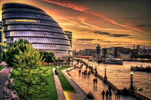 フリー写真素材, 建築・建造物, 都市・街・村, 夕日・夕焼け・日没, 川・河川, イギリス, ロンドン,