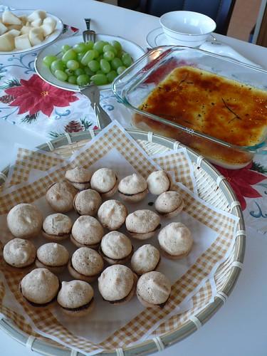 杏仁小圓餅與烤布丁