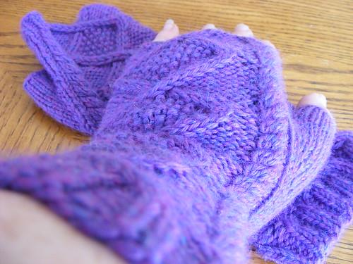 shameless fangirl knitting