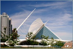 Santiago Calatrava in Milwaukee (Luiz Felipe Castro) Tags: copyright usa museum wisconsin architecture modern photo foto photographer picture lakemichigan milwaukeeartmuseum milwaukee mam wi santiagocalatrava reservado luizcastro luizfelipecastro luizfelipedasilvadecastro