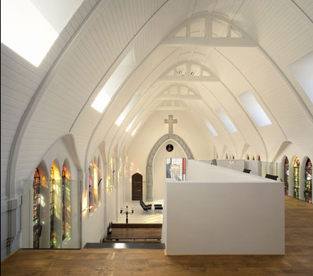 2211691759 6d7e92624d o A Chapel Converted Into a Modern Apartment