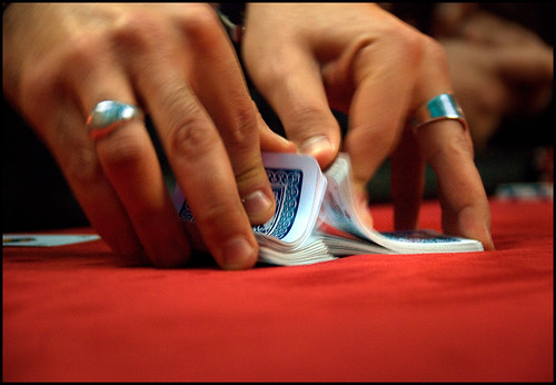 Poker Texas Hold'em: Shuffling Cards by brtsergio, on Flickr