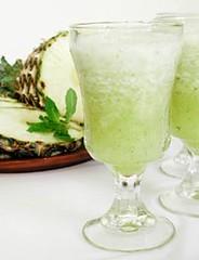 abacaxi com hortela