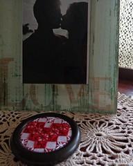 2 (AneloreSMaschke) Tags: bordado tecido xadrez argola reciclando retalho coração instagram