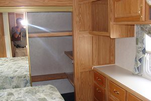 2002 Cedar Creek 34CKTS 5th wheel - bedroom