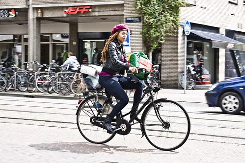 a19e232262 Cycle Chic®  Copenhagen Cycle Chic Goes to Amsterdam