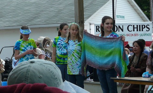 The junior team's shawl