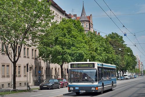 Die MAN NL202 sind selten geworden. Wagen 039 von Autobus Oberbayern ist auf der Linie 187 eingesetzt