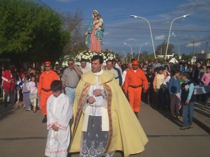 Procesion en Las Perdices en Honor a la Virgen del Rosario