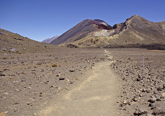 3 volcanos:  the Tongariro Crossing (Light Knight) Tags: new volcano lava walks pentax zealand tongariro active k10d