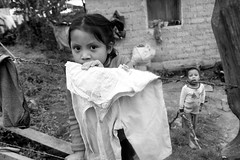 Honduras_1091_alt_1.JPG (Jacob K. Cunningham) Tags: poverty market establishing city night citylife honduras sean marcala tegucigalpa locals lapaz