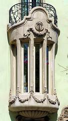 Barcelona - Gran Via 439 b (Arnim Schulz) Tags: barcelona windows espaa building art