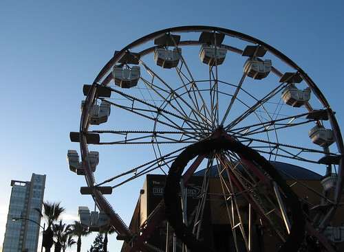 Ferris wheel, Sunday morning