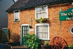Catfield5 (muuranker) Tags: door brick green pub inn iron norfolk cottage doorway cartwheel pantile goldenglobe thecrowninn muuranker catfield pritzkered