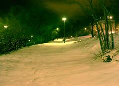 tokholmsnatt-2301 (Ola Persson) Tags: street winter snow building stone night vinter stockholm streetlights olympus gata 24mm om snö f28 natt sn hzuiko autow snレ