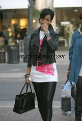 RIHANNA ROCKING SOME TIGHTS - new pictures of sexy rihanna