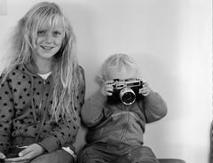 My kids Agla Sól(left) and Friðrik Darri(right) (Pezti) Tags: blackandwhite bw 120 film kids mediumformat 645 krakkar mamiya645 sól darri agla friðrik kodaktrix400asa grandavegur yaschicaministerd