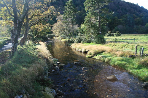 Glendalough River en flickr