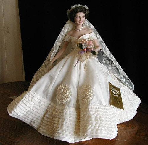 classic wedding gown and majestic impression