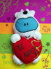 Cow la vaca amorosa  (PrenD-T) Tags: love cow handmade amor felt feltro sanvalentin hechoamano fieltro prendt
