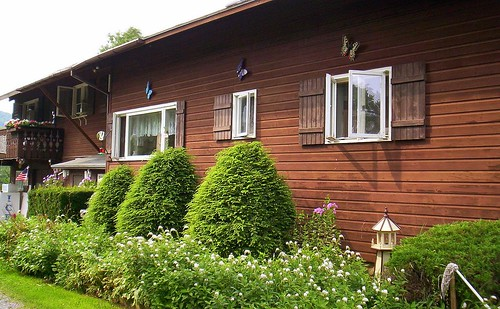 Chalet Motel1