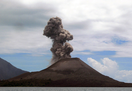 Krakatau (Krakatoa, Krakatao) / Indonesia, Sunda Straits