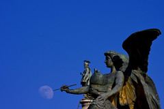 A World of Magic (Pensiero) Tags: moon rome roma statue wings magic statues luna ali statua pinch vittoriano altaredellapatria exb romasel13