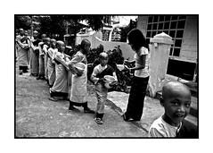 Birmanie 2007 (Pierre-Elie de Pibrac) Tags: voyage blackandwhite bw noiretblanc nb myanmar asie birmanie pibrac repotage pierreeliedepibrac