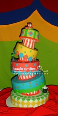 Bolo Circo (The Cake is on the Table) Tags: circo circus clown falling bolo dizzy palhao torto
