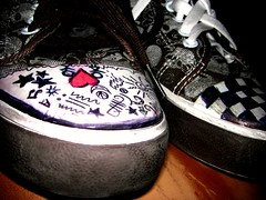 Converse  ([[ Secksy-Becksy ]]) Tags: people music woman brown white man love pen skulls skull sticks shoes peace heart little bum equipment converse chuck stick draw checkers brand taylors stas  a