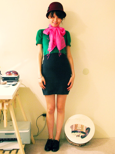 scarf hats bow oxford pencilskirt clochehat